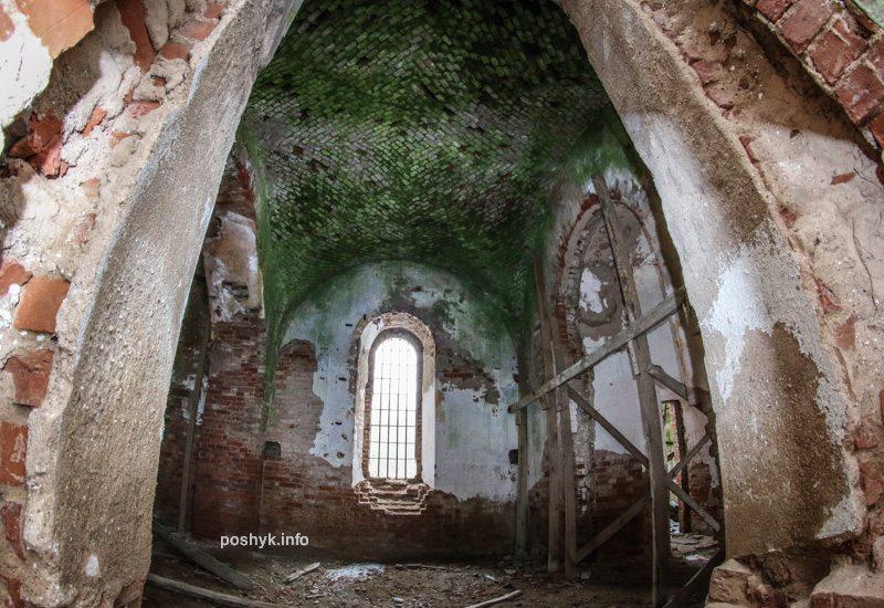 слободка руины церкви