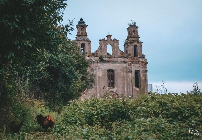 Руины костела в деревни Смоляны