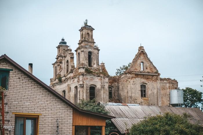 Костел в деревни Смоляны