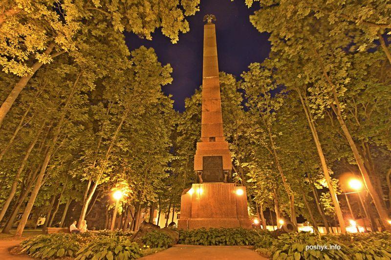 памятник 1812 года в Витебске
