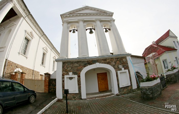 Брама колокольня в Воложине
