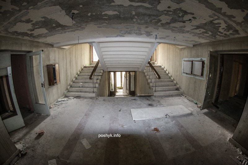 заброшенный коридор санаторий лесное