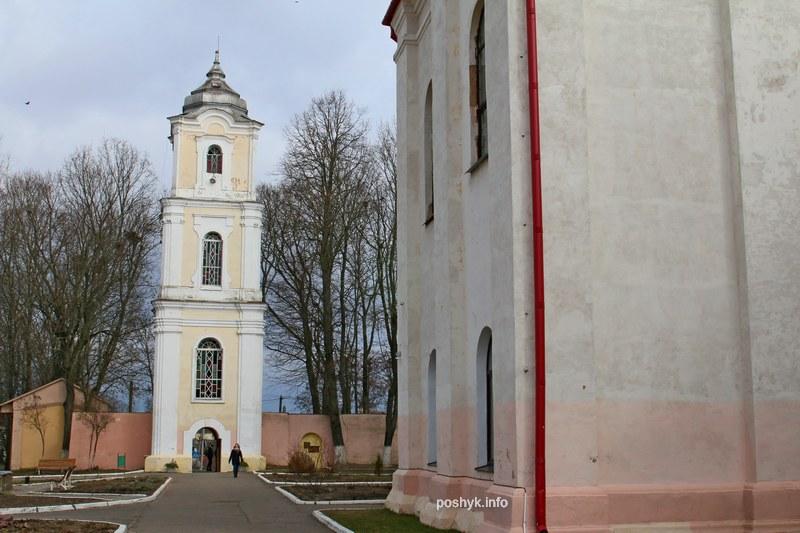 монастырь бенедиктинок брама-колокольня