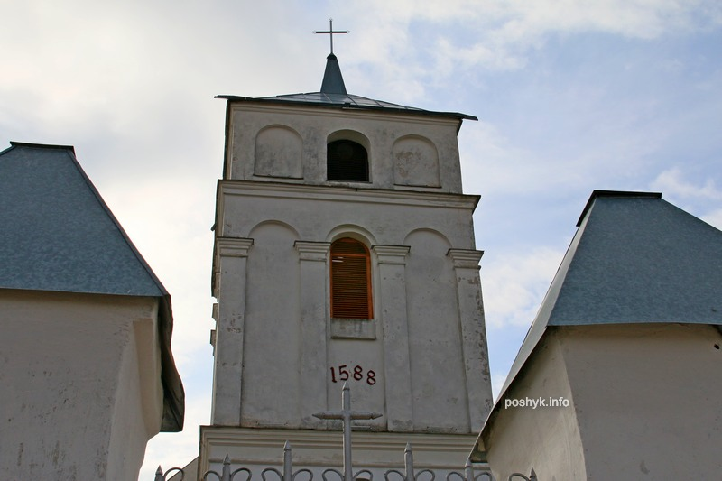 kostel v stolbcah