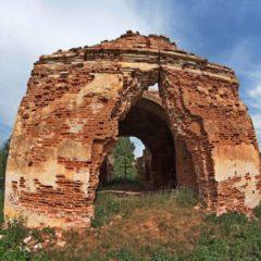 Вишов руины церкви святого Петра и Павла