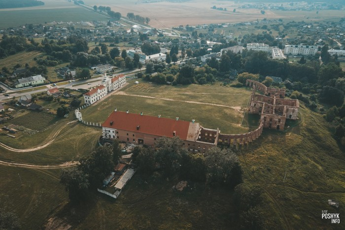 Дворец Сапег в Ружанах