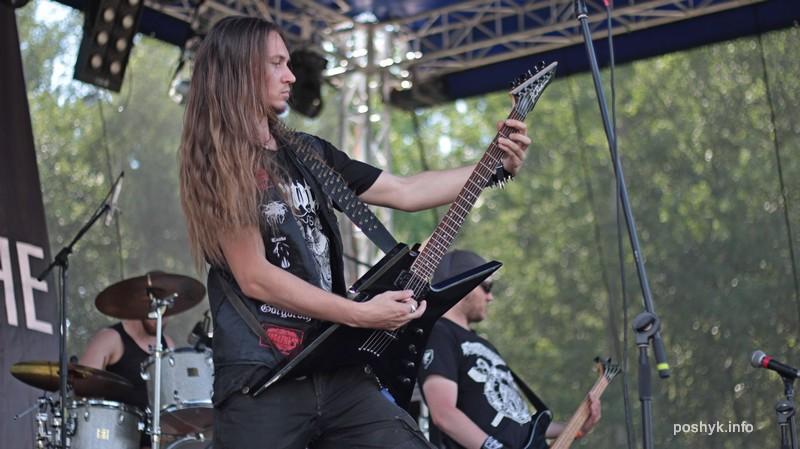 Massenhinrichtung гитарист