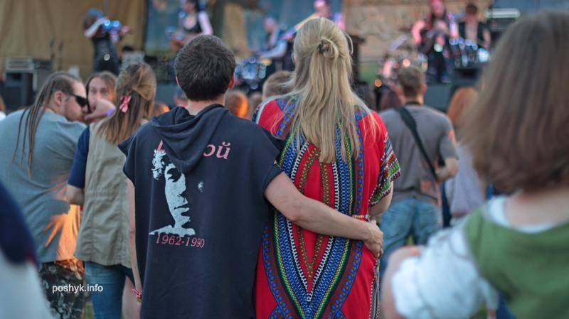 люди на фестивале сонца 5