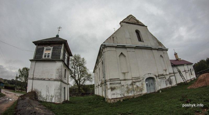 успенская церковь в плебани фасад