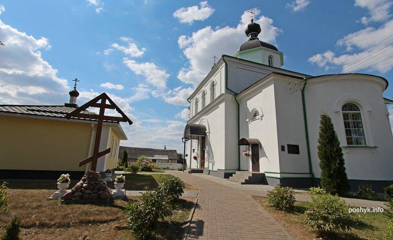 церковь петра и павла сеница