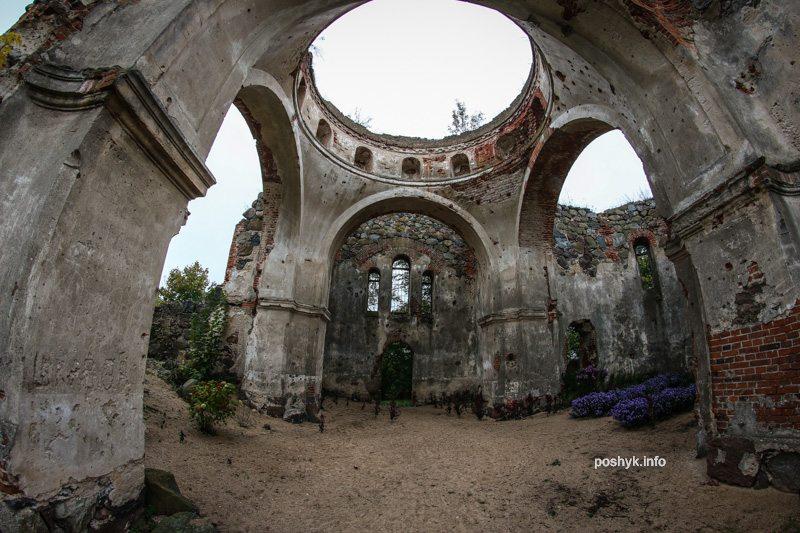 Руины Троицкой церкви Березовец