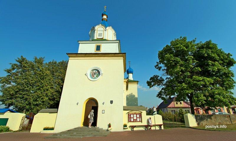 троицкая церковь мир фасад
