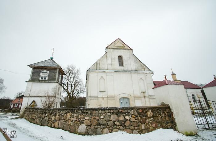 Костел в деревне Плебань