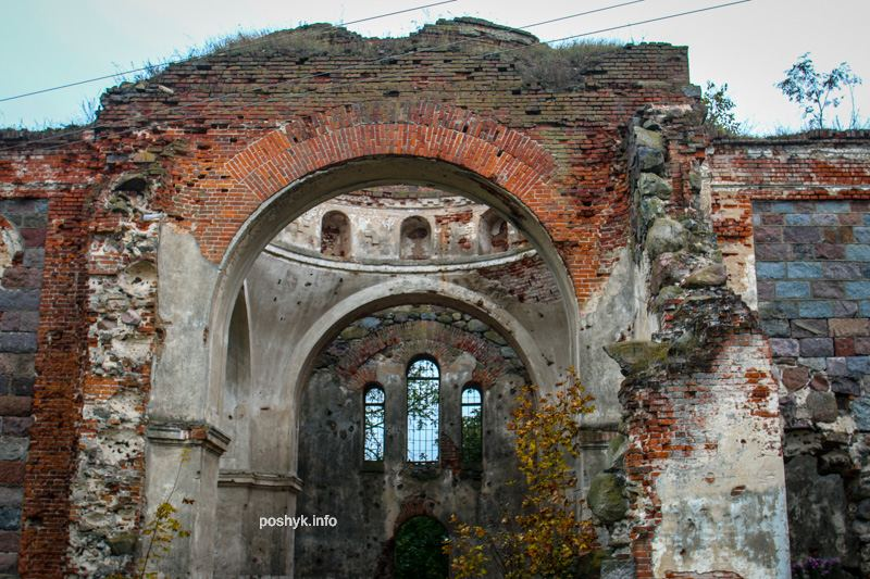 Руины церкви Березовец