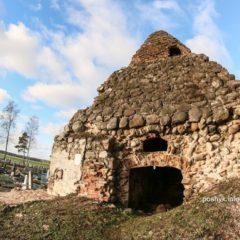Часовня — усыпальница Завишей в городе Узда