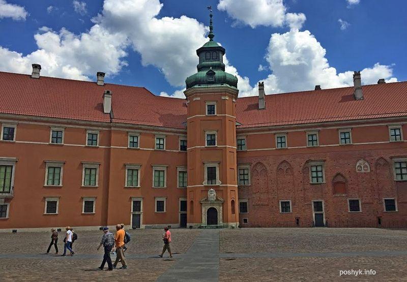 Замок Варшава