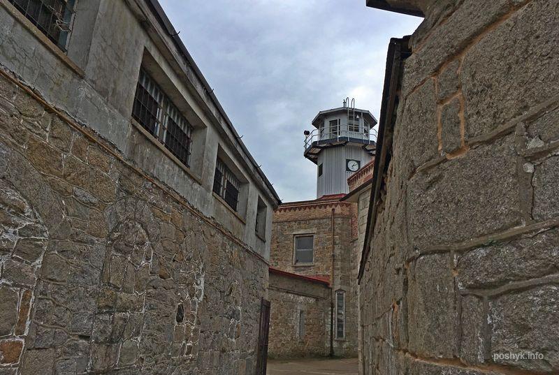 Внутренней двор, смотровая башня.