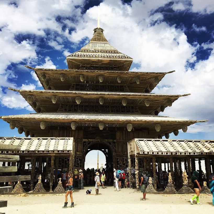 burning-man-2016-art-instу templeallations-architecture-round-up-designboom-013