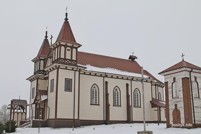 kostel svyatogo yria polonechka