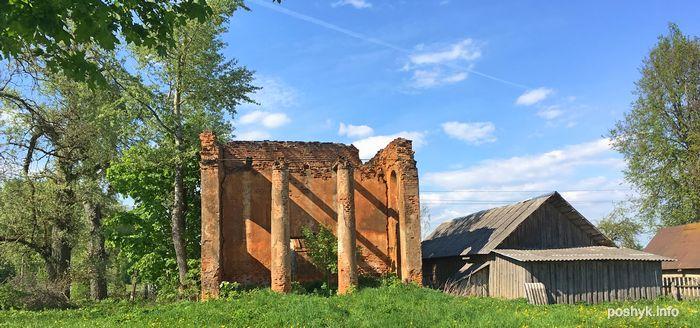 руины церкви Старинки