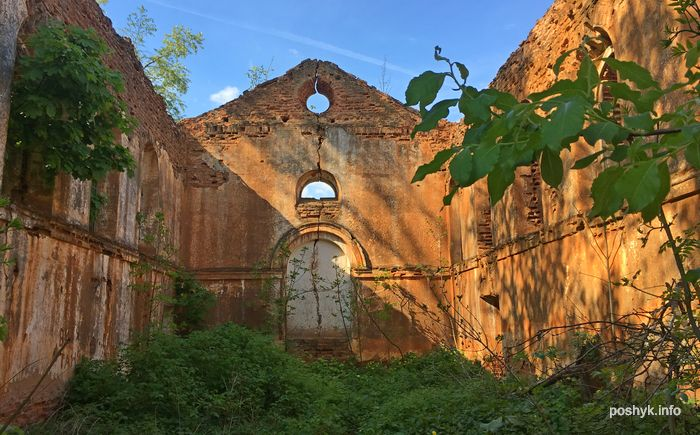 заброшенный храм старинки
