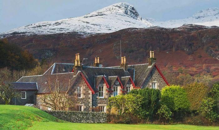 Dall House шотландия