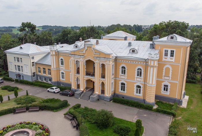 Дворец Чапского недалеко от Минска