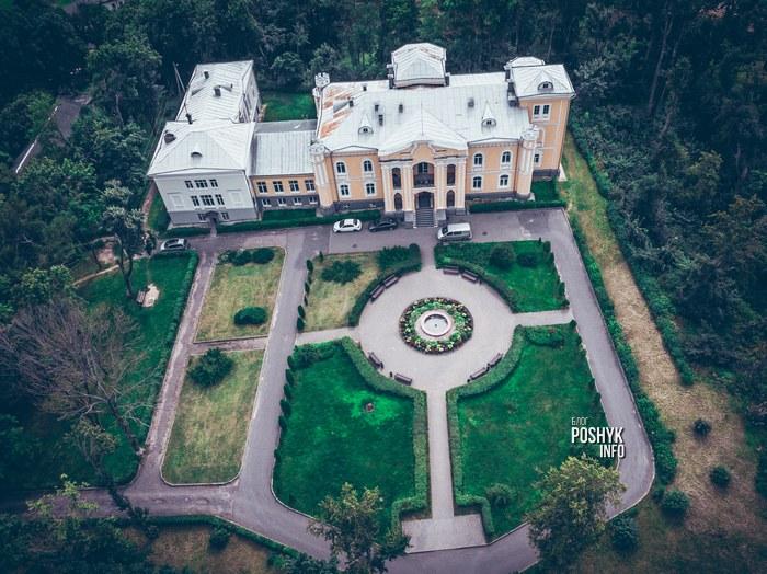 дворец в прилуках с воздуха