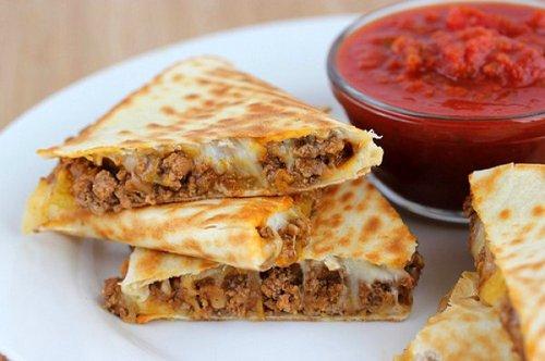 национальные блюда стран Кесадилья