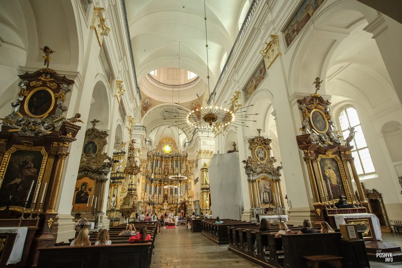 Главный алтарь костела святого Ксаверия в Гродно