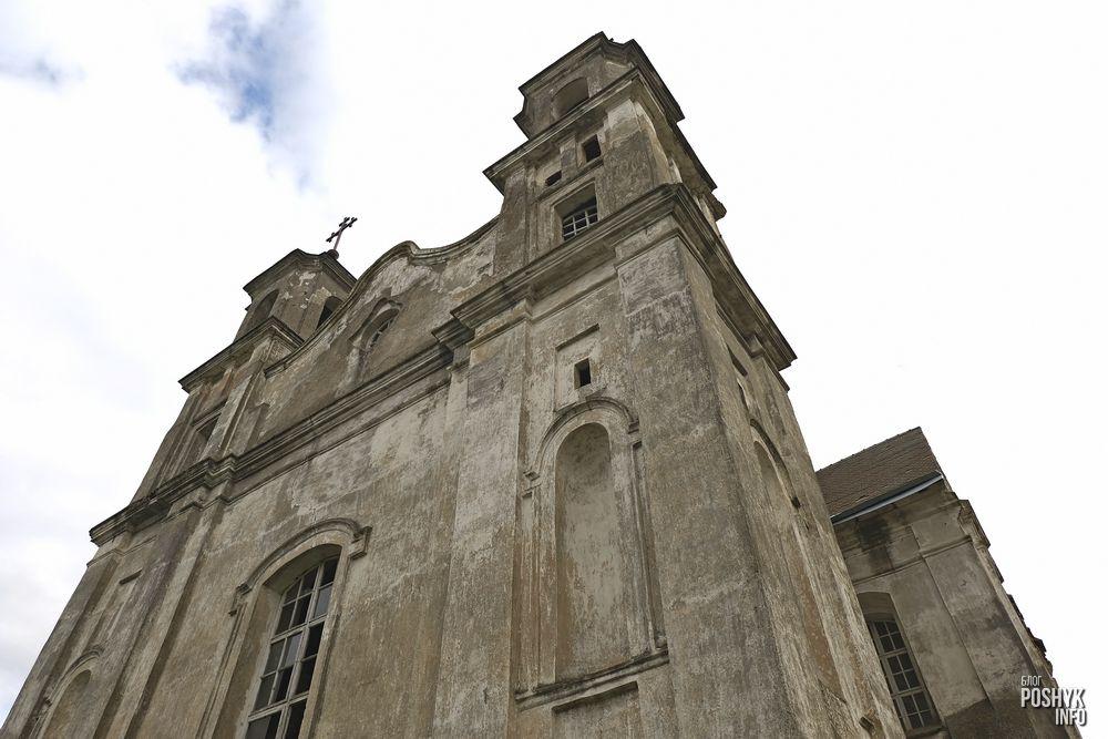 Заброшенный Троицкий костел в деревне Беница