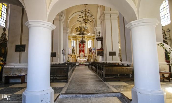 Костел в Ивье Беларусь