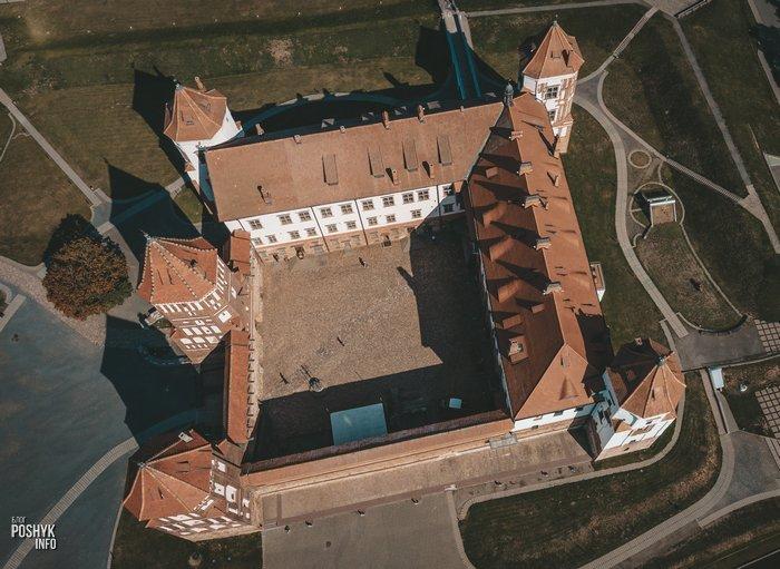 замок Ильиничей и Радзивиллов в Мире
