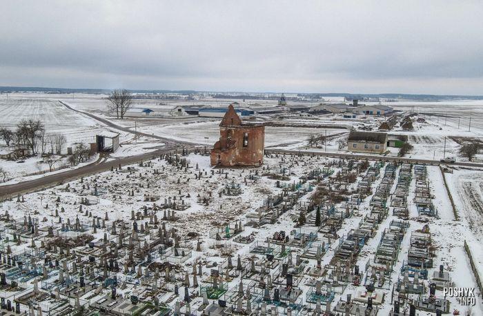Костел на старом кладбище Новые Новоселки