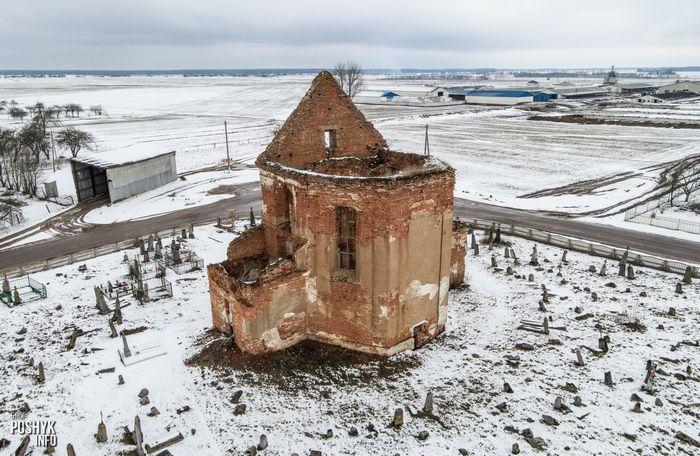 Развалины костел в деревне Новые Новоселки