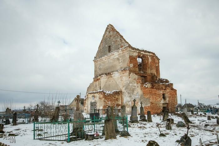 Заброшенный костел в деревне Новые Новоселки