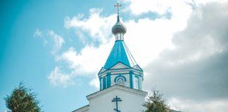 Церковь в деревне Озеро
