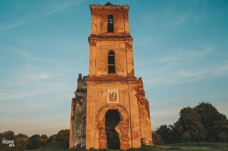 Троицкая церковь в деревне Черея