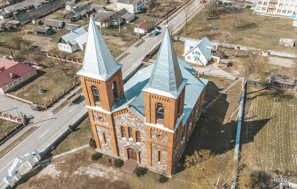 Костел в деревне Лаздуны