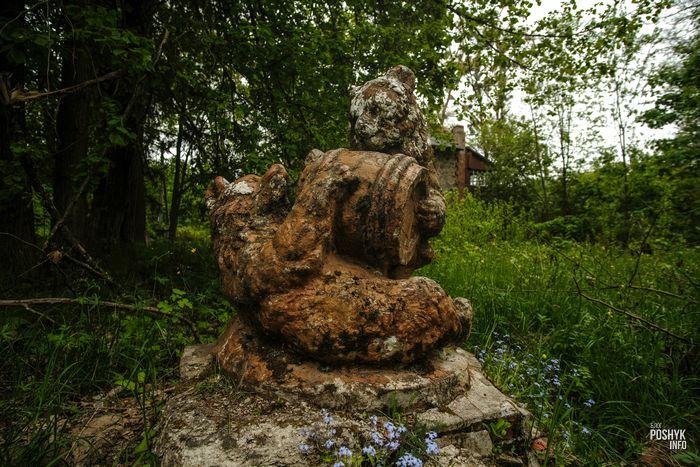 Скульптуры в Совейках