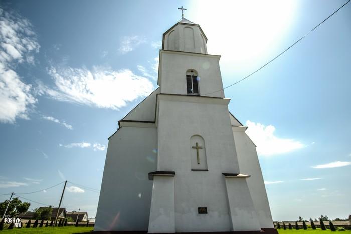 Костел в деревне Деревное