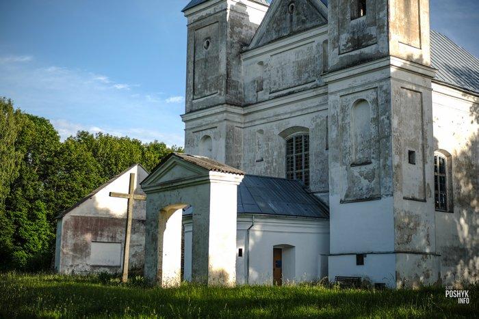 Костел в деревни Засвирь