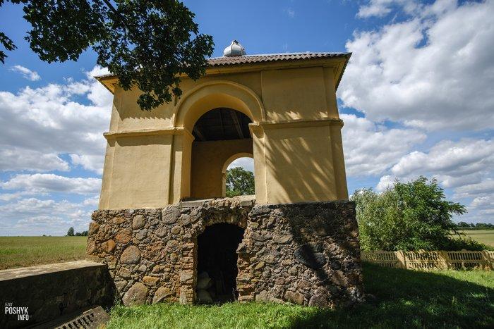 Башня колокольня в деревни Дикушки