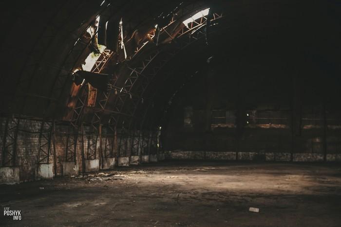 Заброшенный ангар в Больково