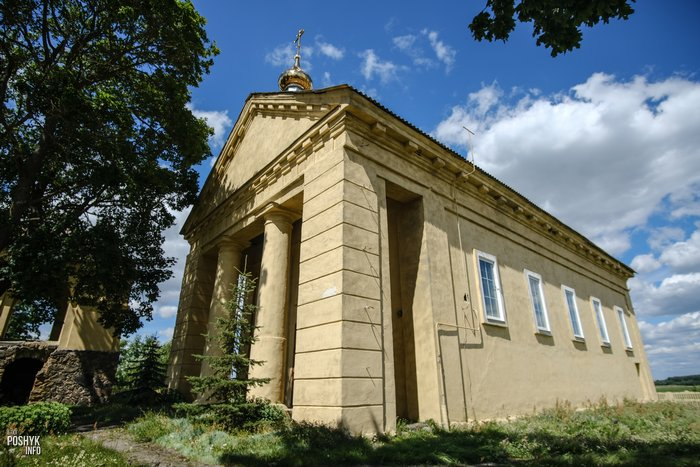 Церковь деревня Дикушки