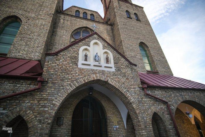 Костел в поселке Зельва