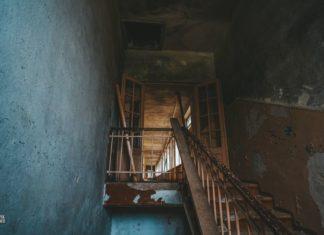 Заброшенная школа в Семоково