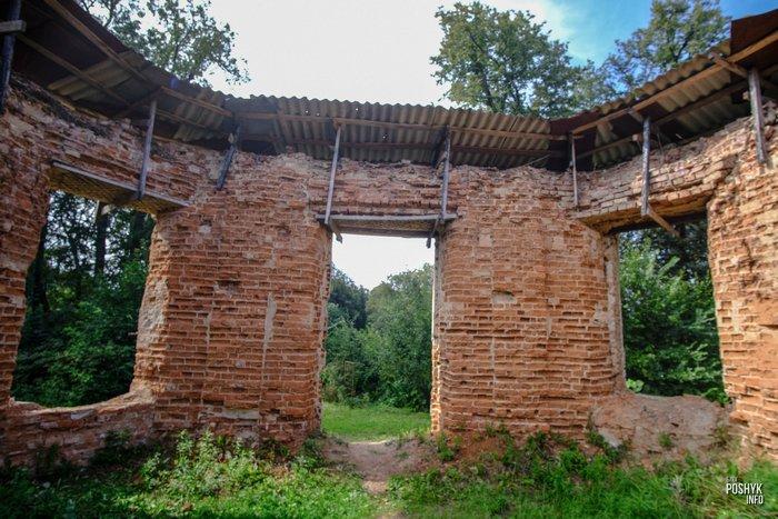 Семково руины имения Хмаров
