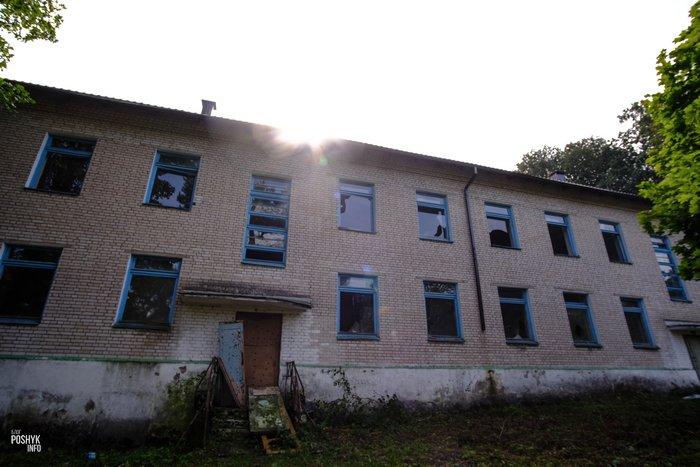 Заброшенная школа в Семково