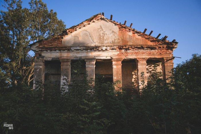 Заброшенная усыпальница Моравских Заушье